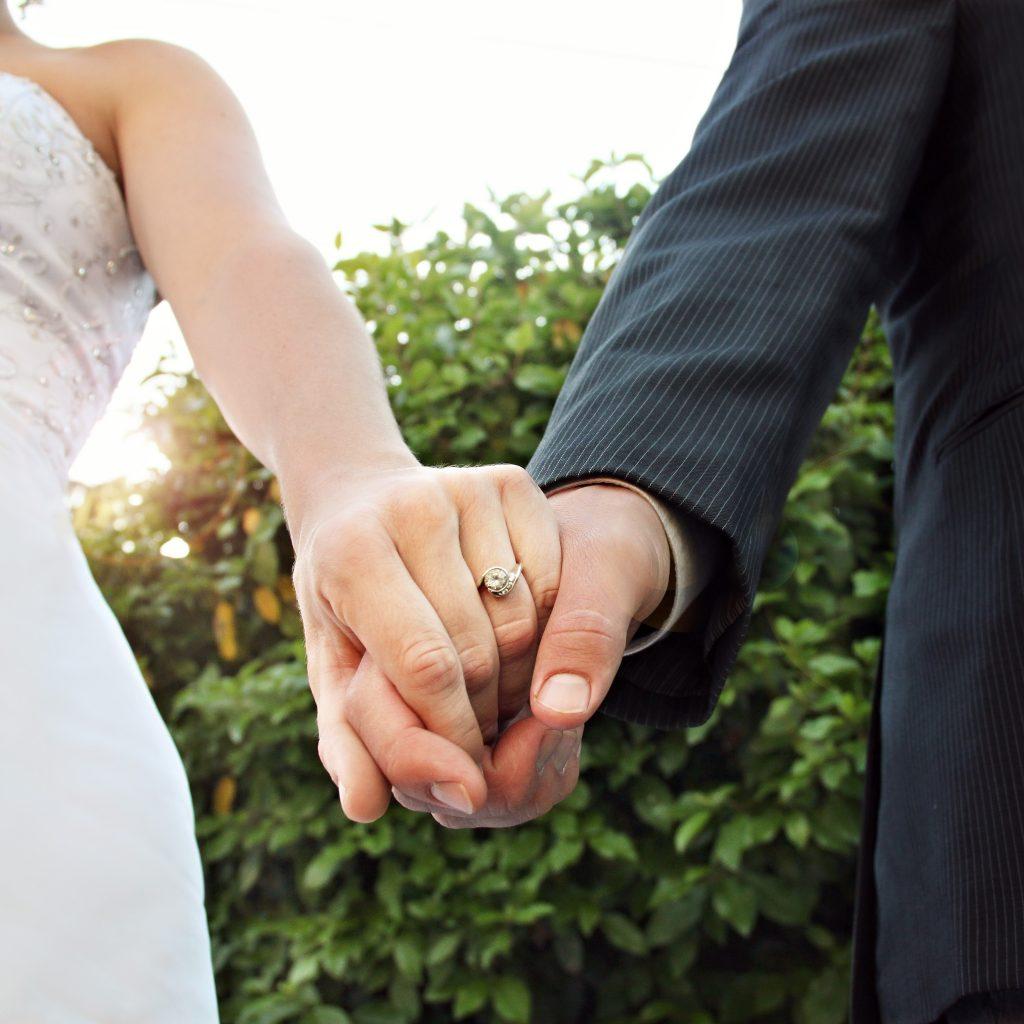 """夫妻吵架時,不僅容易傷感情,更容易讓妻子傷""""心""""。"""