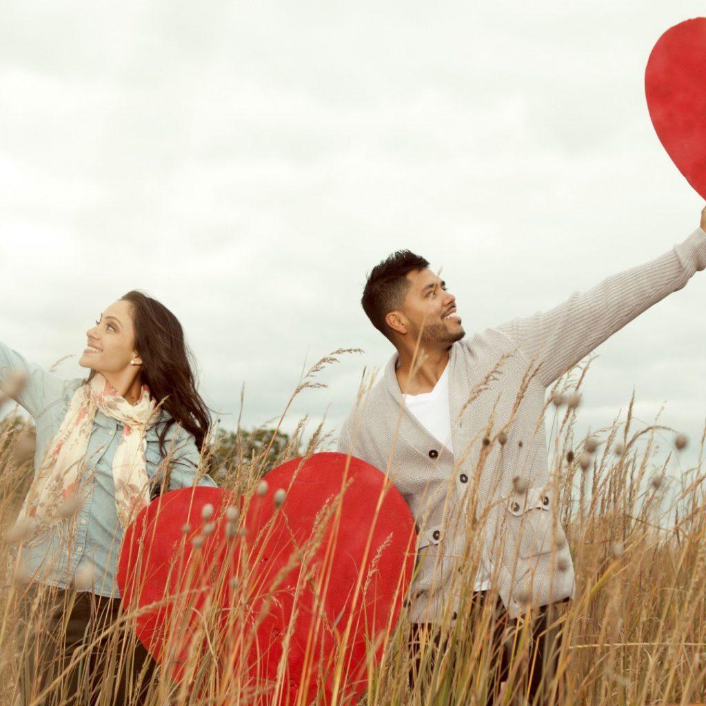 異地戀情是可行嗎?異地婚姻有經不起四大的誘惑……