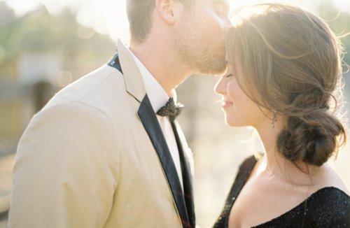 約會時如何創造浪漫氣氛,這關係著泡妞的成功與失敗。
