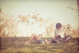 為了及時抓住自己的愛情,女人愛上男人後的10大舉動。