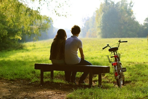 分析一下什麼時候感情開始下滑,7步挽回前男友的心。