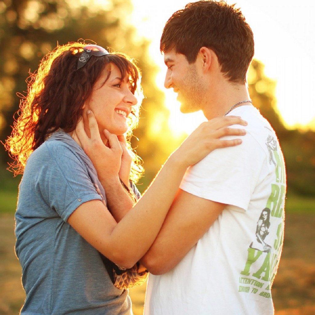 讓一個男人愛上一個女人,並且不會離開你的15件事情。
